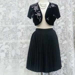 Vintage Imagio black pleated skirt